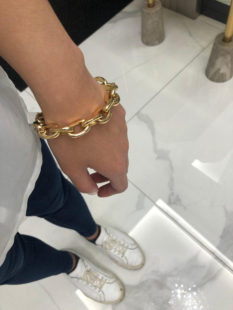 Women's 18 Karat Yellow Gold Oval Link Bracelet For Sale