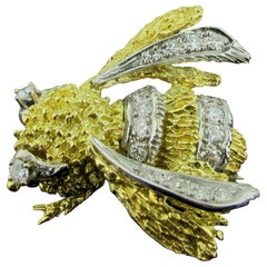18 Karat Yellow and White Gold Diamond Bee Pin
