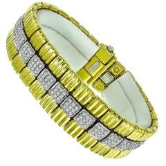 18 Karat Yellow and White Gold Diamond Bracelet