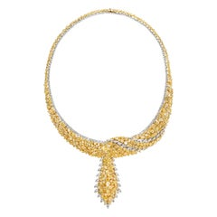 18 Karat Yellow and White Gold Natural Yellow and White Diamond Necklace