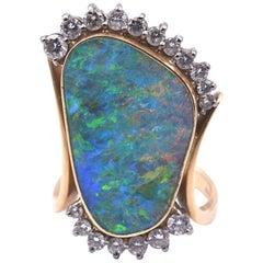 18 Karat gelb schwarze Opal und Diamant-Ring