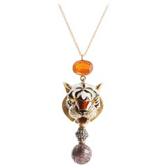 18 Karat Yellow Gold 0.60 Karat Orange Sapphires 1.50 Fire Opal Pendant Necklace