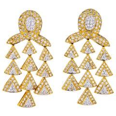 18 Karat Yellow Gold 12 Carat Tiered Diamond Chandelier Earrings