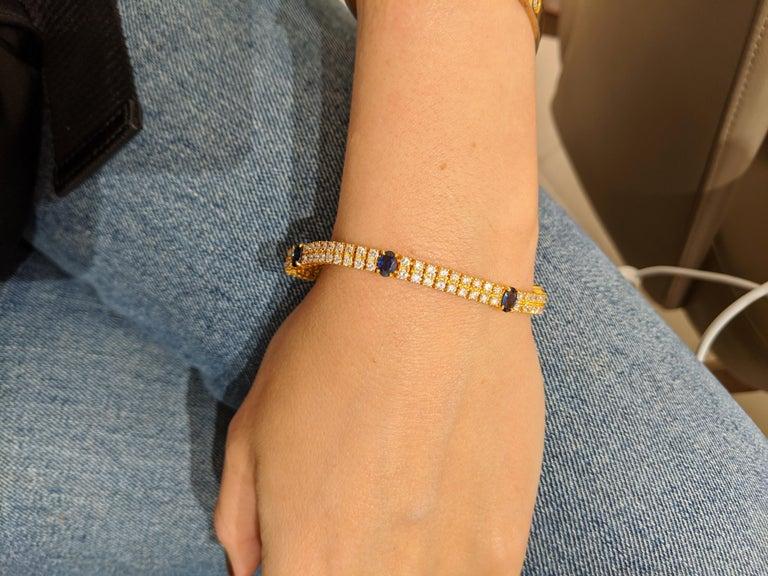 Women's or Men's 18 Karat Yellow Gold, 2-Row Diamond Bracelet with 3.19 Carat Oval Blue Sapphires For Sale