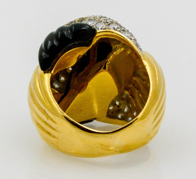18 Karat Yellow Gold 2.00 Carat Diamond Onyx Swirl Ring In Excellent Condition For Sale In Dallas, TX