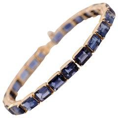 18 Karat Yellow Gold 25 Carat Emerald Cut Amethyst Bracelet