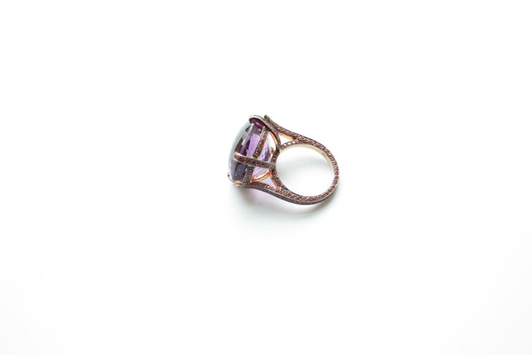 18 Karat Yellow Gold 25.10 Carat Amethyst and Orange Sapphire Ring In New Condition In Great Neck, NY