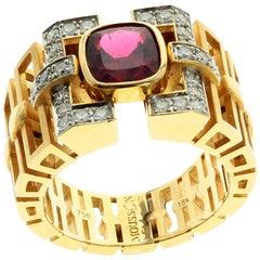 18 Karat Yellow Gold 3.04 Carat Rubelite Tourmaline Diamond Male Ring