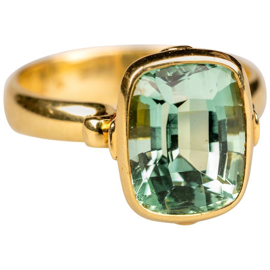 18 Karat Yellow Gold 5.32 Carat Mint Green Tourmaline Ring