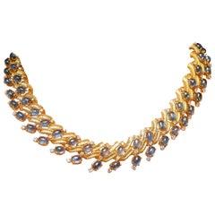 18 Karat Yellow Gold 72 Carat Blue Sapphire and 4.5 Carat Diamond Necklace