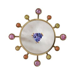 18 Karat Yellow Gold '8.60 gr' White Mop, Tanzanite, Sapphires, Ring