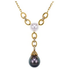 18 Karat Yellow Gold Akoya Japanese Pearl and Diamond Necklace