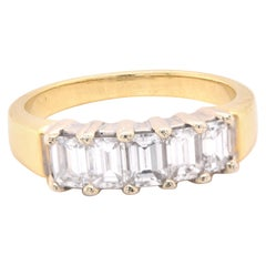 18 Karat Yellow Gold and 1.50 Carat Baguette Diamond Band Ring