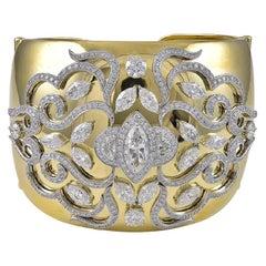 18 Karat Yellow Gold and 16.53 Carat Diamond Bangle