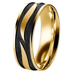 18 Karat Yellow Gold and Black Tribal Leaf Design Band