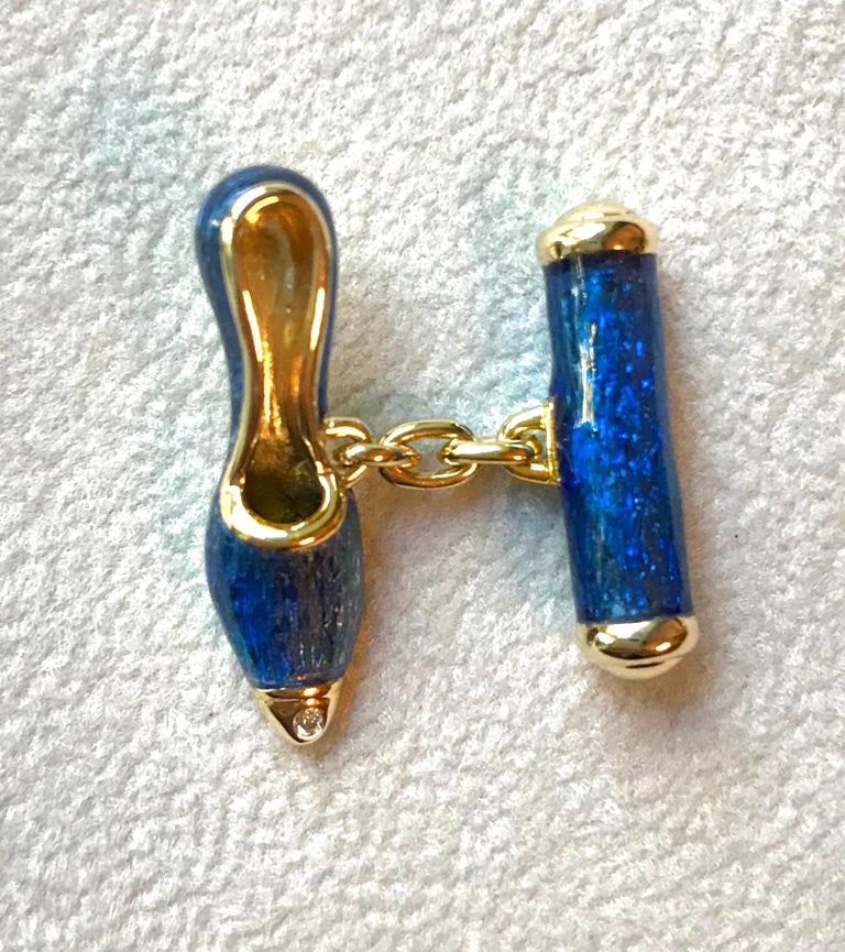 18 Karat Yellow Gold and Blue Enamel Shoes Cufflinks For Sale 5