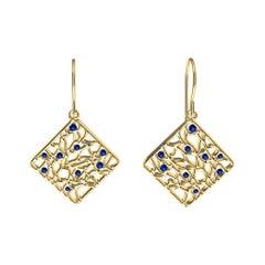 18 Karat Yellow Gold and Blue Sapphires Seaweed Dangle Earrings