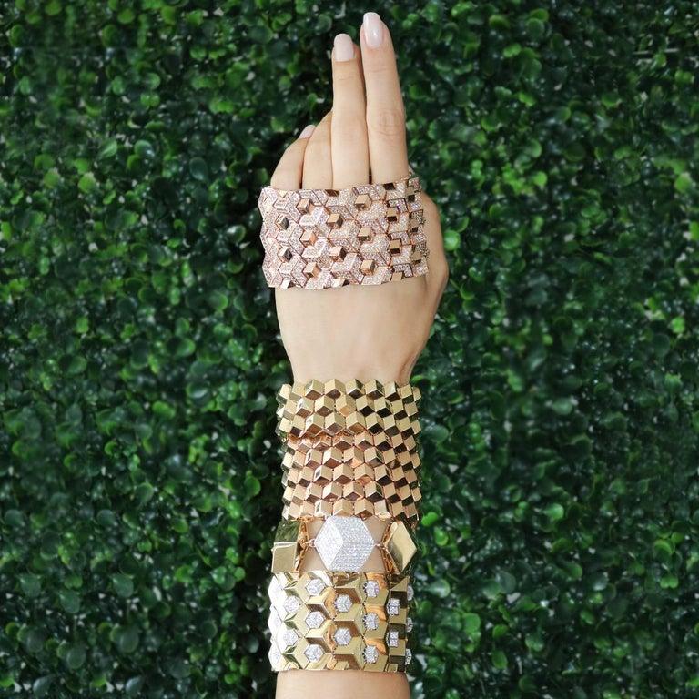 Round Cut 18 Karat Yellow Gold and Diamond 3.04 Carat Brillante Bracelet For Sale