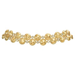 Choker Necklace crafted in 18K Yellow Gold and White Diamonds