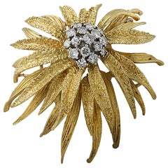 18 Karat Yellow Gold and Diamond En Tremblant Flower Brooch Pin