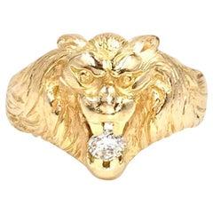 18 Karat Yellow Gold and Diamond Lion Ring