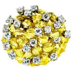 18 Karat Yellow Gold and Diamond Vintage Ring, circa 1960