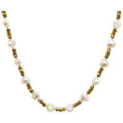 18 Karat Yellow Gold and Freshwater Pearl Necklace