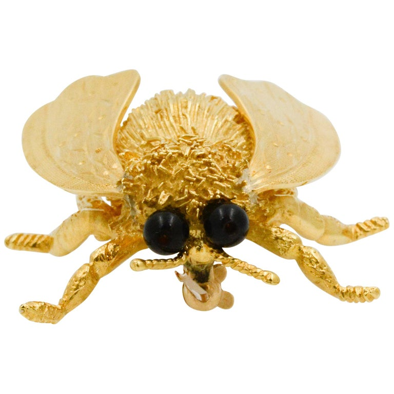 18 Karat Yellow Gold and Onyx Cellino Fly Pin For Sale