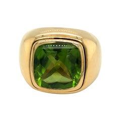 18 Karat Yellow Gold and Peridot Signet Ring by Bucherer