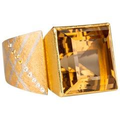 18 Karat Yellow Gold and Platinum Princess Cut Citrine Ring with Diamonds