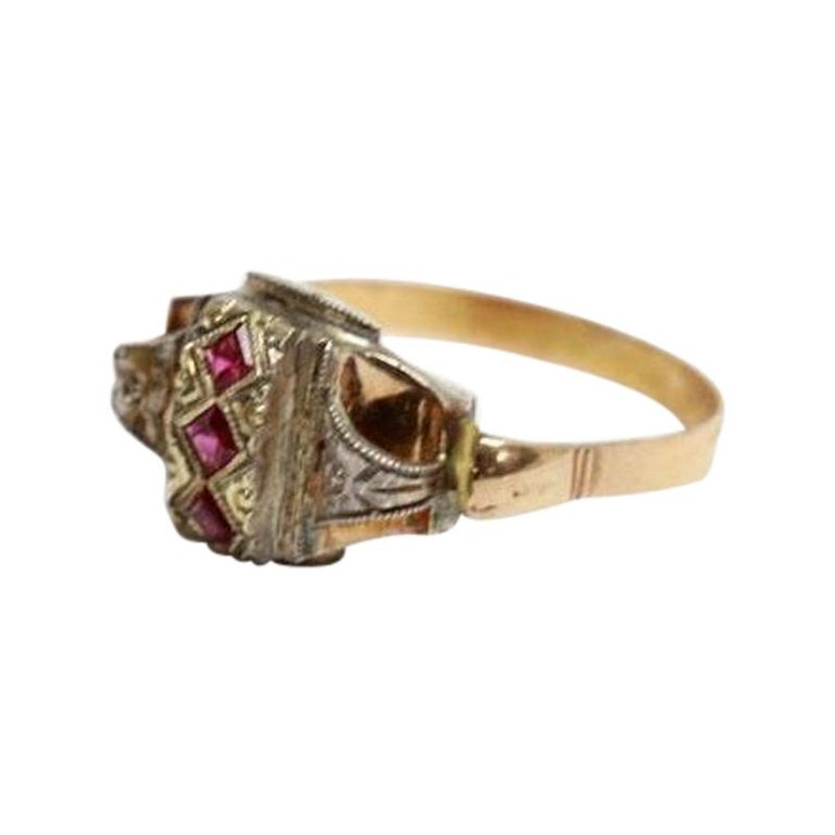 18 Karat Yellow Gold and Silver Ring with 3 Rubies For Sale