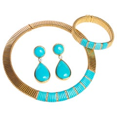18 Karat Yellow Gold and Turquoise Necklace, Bracelet and Earrings