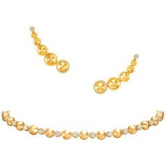 18 Karat Yellow Gold and White Diamonds Choker Necklace and Earrings