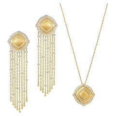 18 Karat Yellow Gold and White Diamonds Fringe Earrings and Pendant