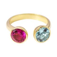 18 Karat Yellow Gold Aquamarine and Tourmaline Solitaire Ring
