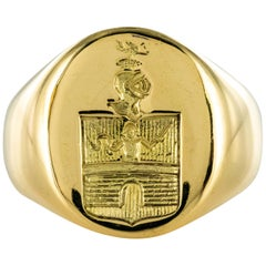 18 Karat Yellow Gold Armorial Bearings Men's Signet Ring