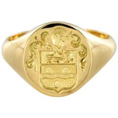 18 Karat Yellow Gold Armorial Bearings Unisex Modern Signet Ring