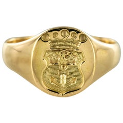 18 Karat Yellow Gold Armorial Bearings Unisex Signet Ring