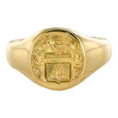 18 Karat Yellow Gold Armorial Bearings Women Signet Ring