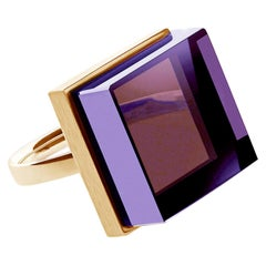 18 Karat Yellow Gold Art Deco Style Ring with Amethyst, Featured in Vogue