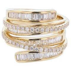 18 Karat Yellow Gold Baguette Diamond Criss Cross Ring