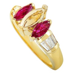 18 Karat Yellow Gold Baguette Diamonds and Ruby Mounting Ring