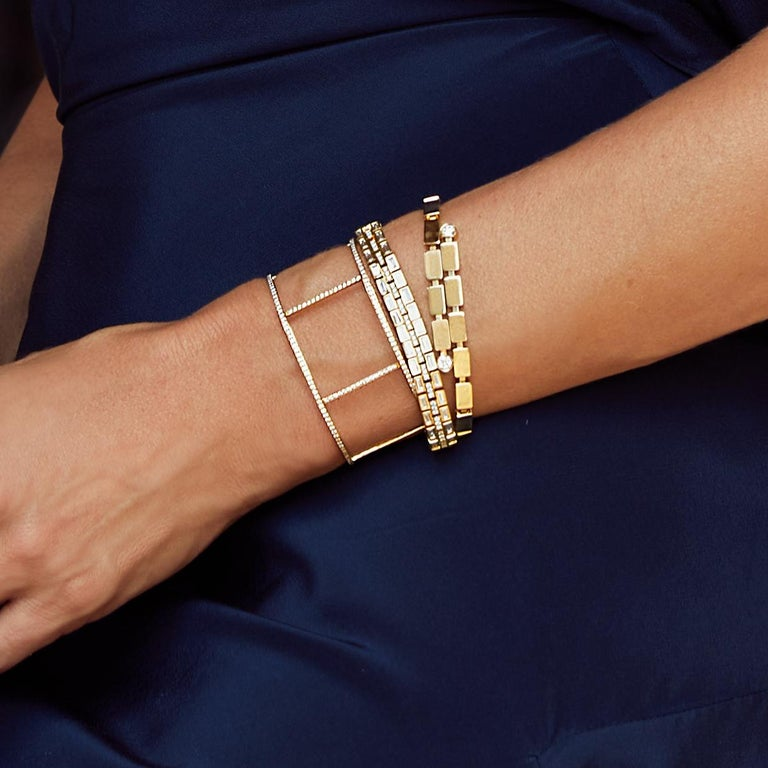 18 Karat Yellow Gold Baguette Dream Bracelet In New Condition For Sale In Athens, GR