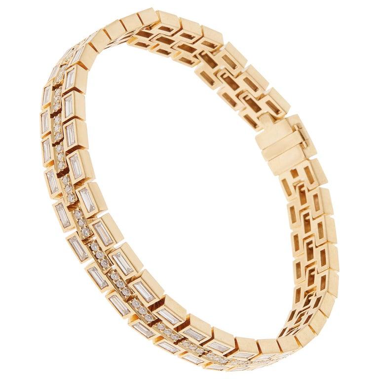 18 Karat Yellow Gold Baguette Dream Bracelet For Sale