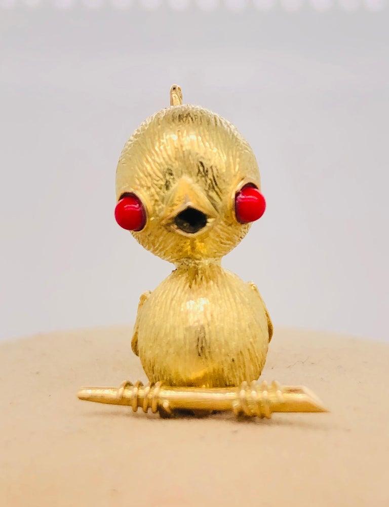 18 Karat Yellow Gold Bird Brooch France Paris 1970s Made in France, Paris Circa 1970's Fully hallmarked Dimension - Size : 2 cm Weight : 5.6 grams
