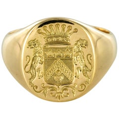 18 Karat Yellow Gold Blazon Men Modern Signet Ring