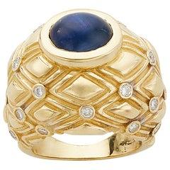 18 Karat Yellow Gold Blue Cabochon Sapphire Ring