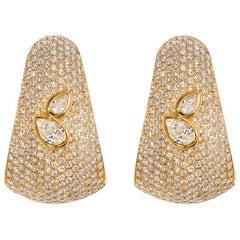 AS29 18 Karat Yellow Gold Bombee Pear Shaped Diamond Earrings