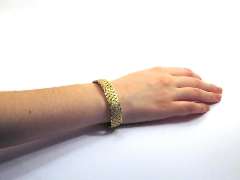 Women's 18 Karat Yellow Gold Bracelet Made in Italy For Sale