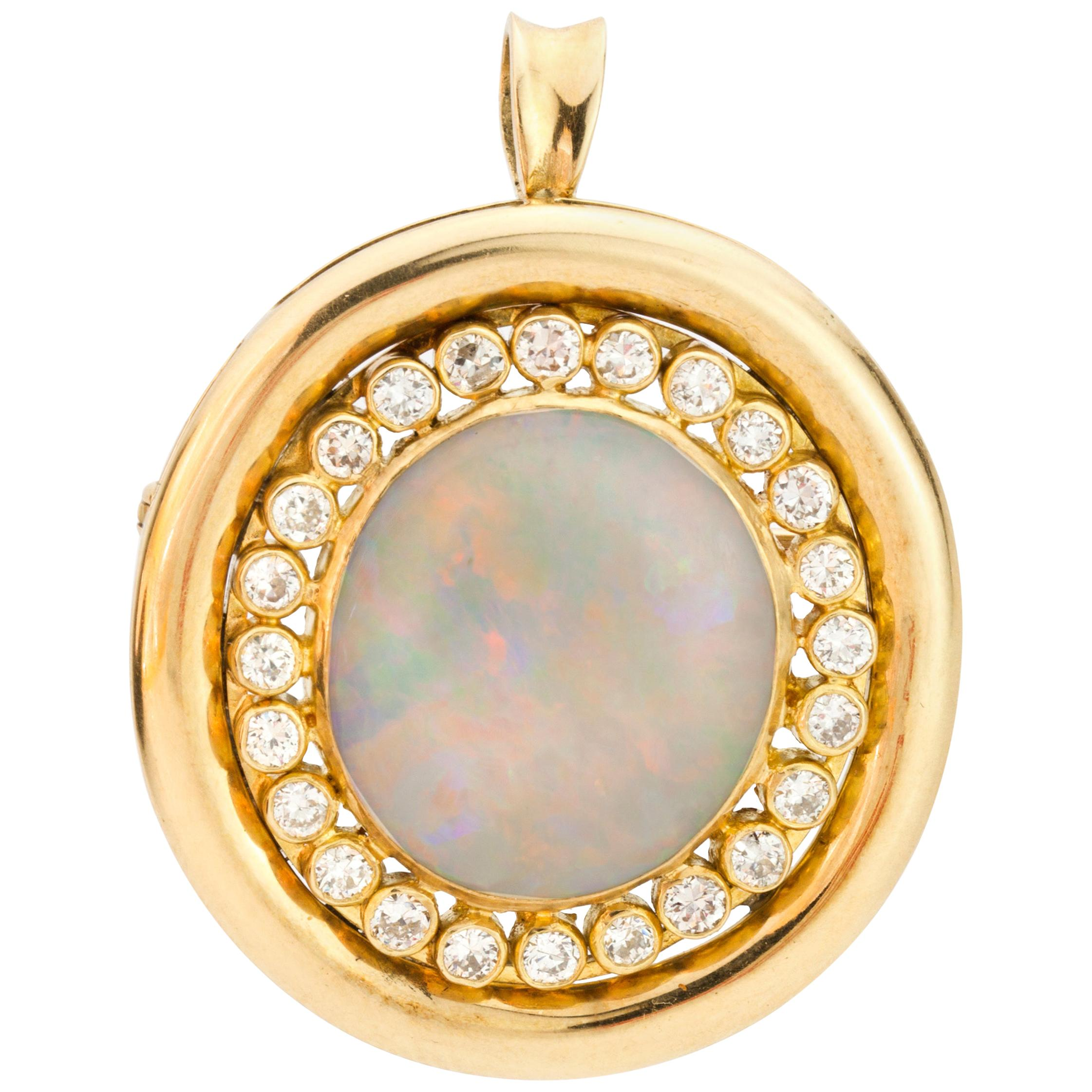 18 Karat Yellow Gold Brooch or Pendant with Natural Opal and Diamonds